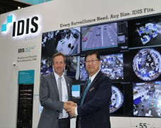 IDIS and VIDEOR sign distribution agreement at IFSEC