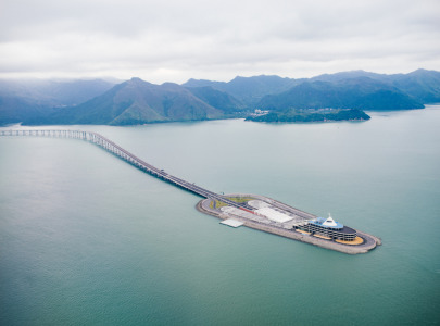 Advanced Protects World's Longest Sea Crossing