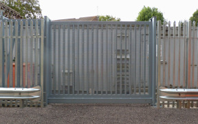 LPS1175 Platinum Sliding Gate